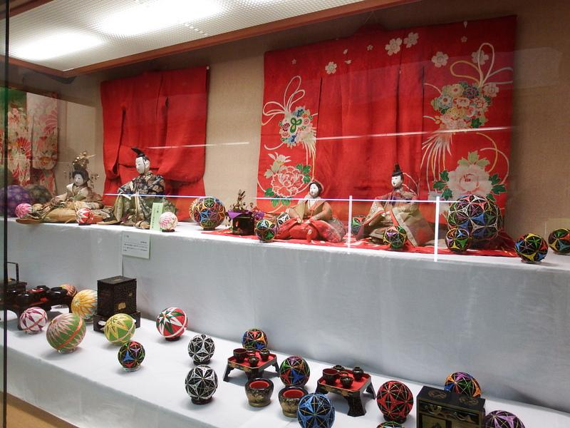 "Yamanobe ""hina doll exhibition"" now being held"