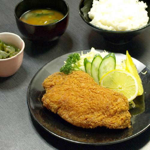 トンカツ定食 950円:画像