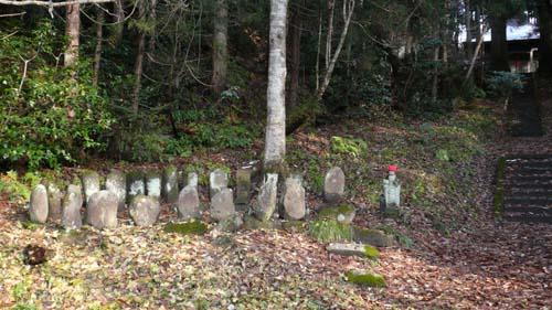 2009/04/03 06:20/不動院跡と墓所