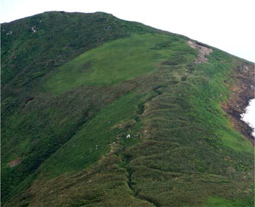2009/04/17 10:41/大朝日岳周辺の朝日軍道