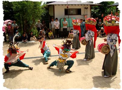2012/07/14 06:26/8/15は「八ッ沼」と「大谷」の獅子踊りを見られます