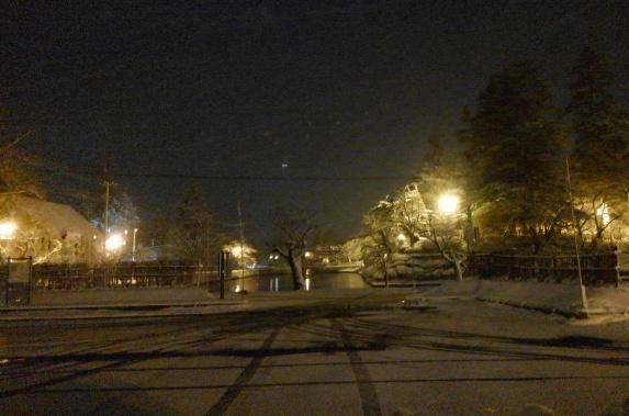 雪が降り・・・