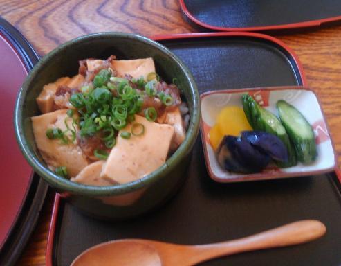 冷たいラーメン & 豆腐丼