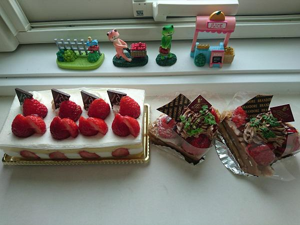《バラ庭》つれづれ~・・ブログを始めて一ヶ月になりました!!