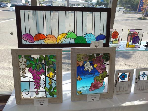 《バラ庭》趣婦の日々~・・きょうは、道の駅の展示会。。。