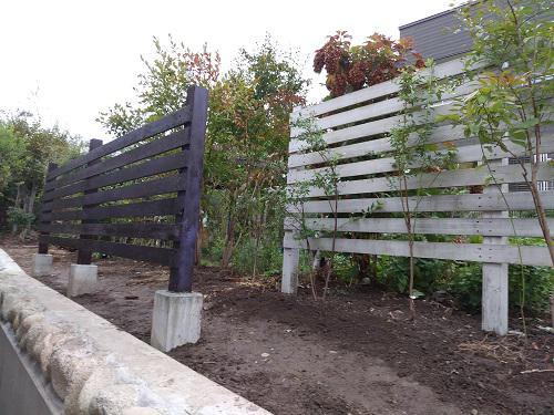 《バラ庭》ガーデンワーク~・・次のフェンス設置!!