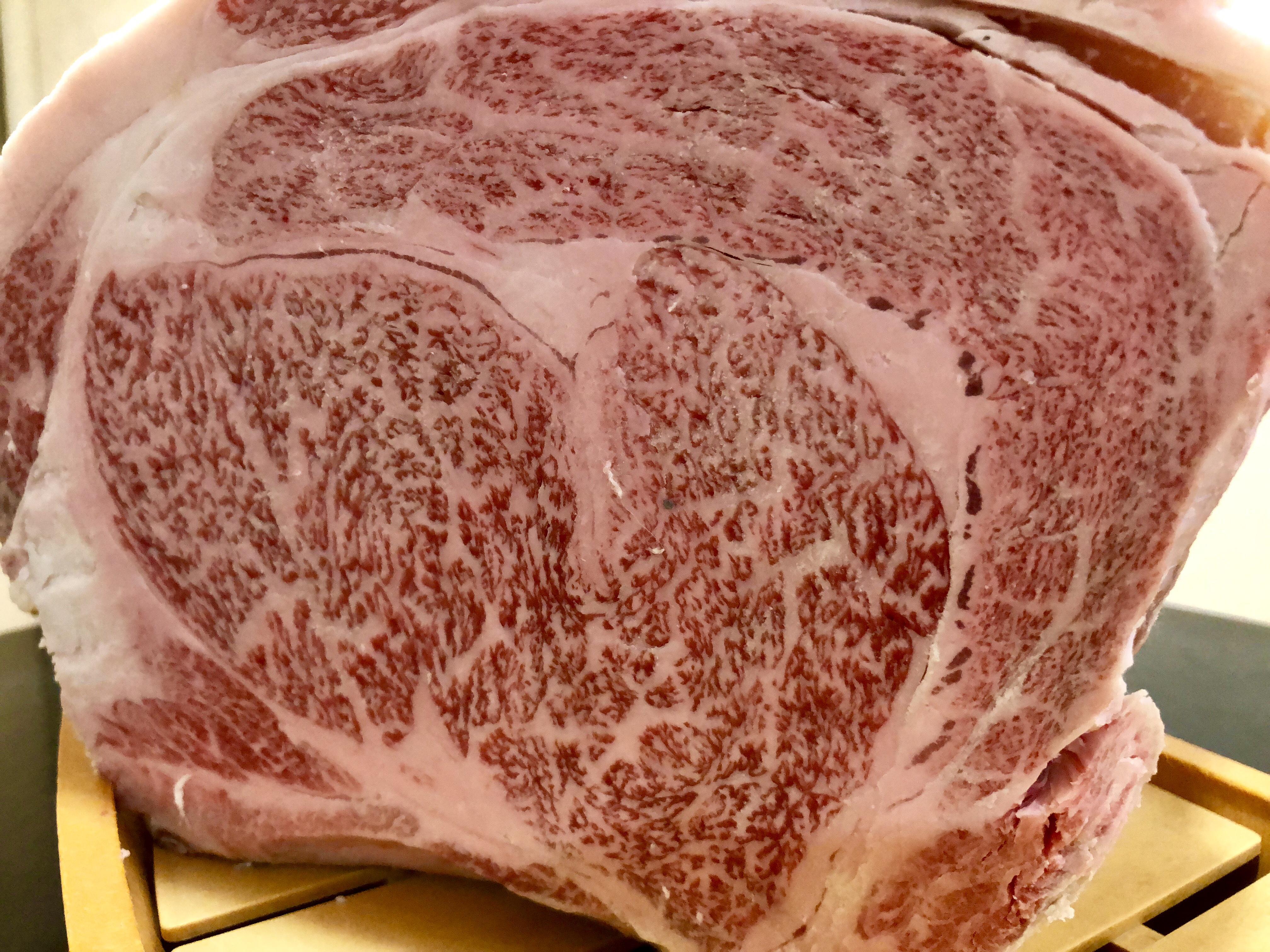 山形牛チャンピオン牛A5+12を御提供|山形牛焼肉専門店舞鶴牧場