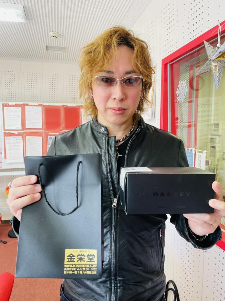 【プレゼント】タケオ社長からのお年玉!オークリーのサングラスを1名様にプレゼント:画像