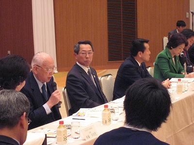2013/04/24 08:49/【4/23】やまがた6次産業化戦略推進本部設立会議が開催されました。