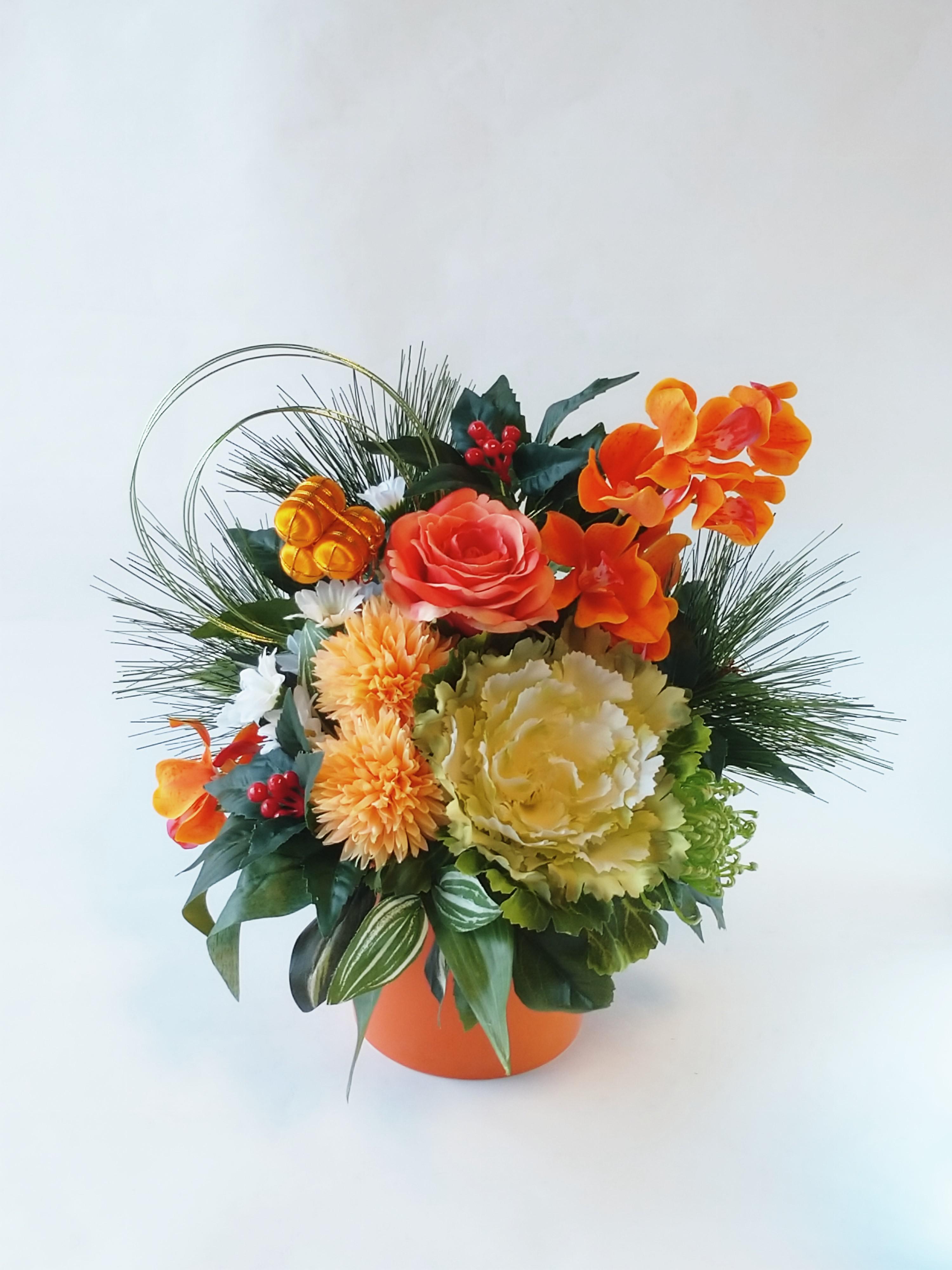 お正月アレンジ|えがお花-アーテイフィッシャルフラワー