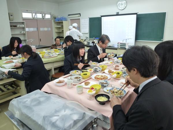 宮城県名取市の尚絅学院大学と豆ガールズの交流会開催