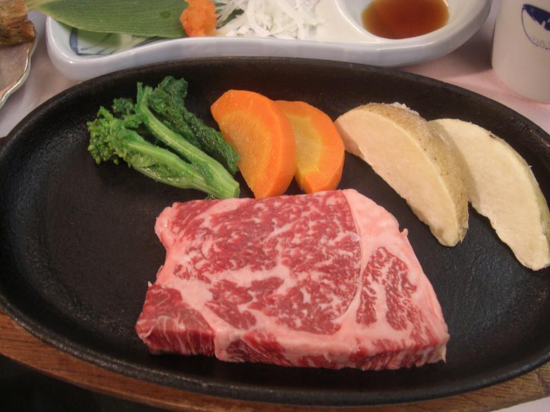 食えるもんなら食ってみな!「ステーキ食べ放題」:画像