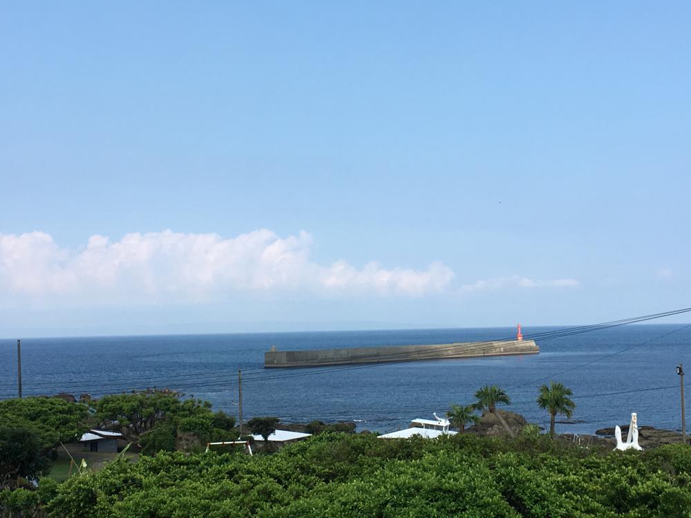 種子島うっすら見ゆる安房港