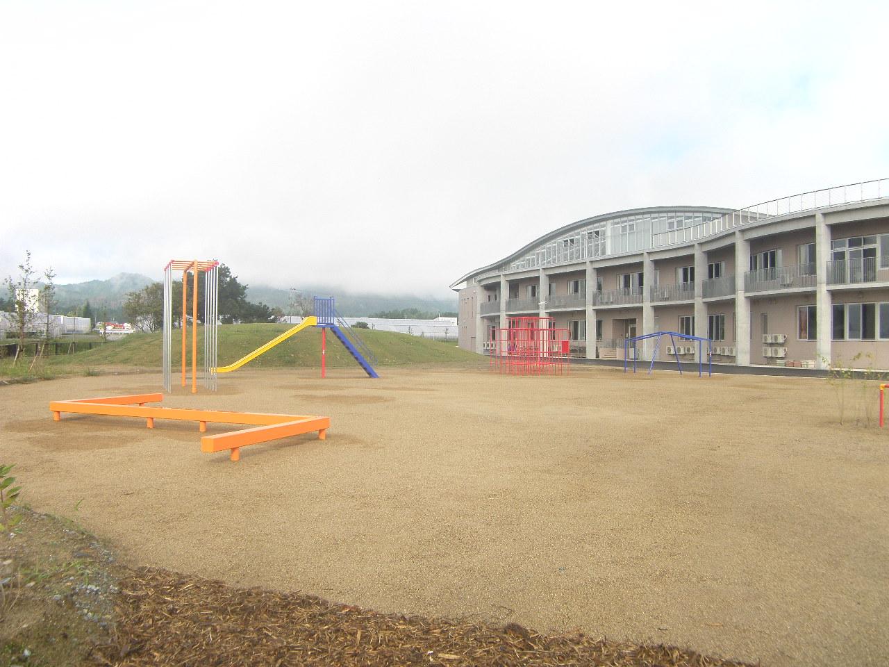 飯豊町立第一小学校遊具等整備工事:画像