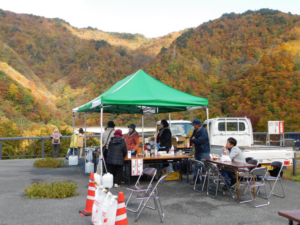 10月31日土曜日 長井ダム百秋湖まつりに出店しました