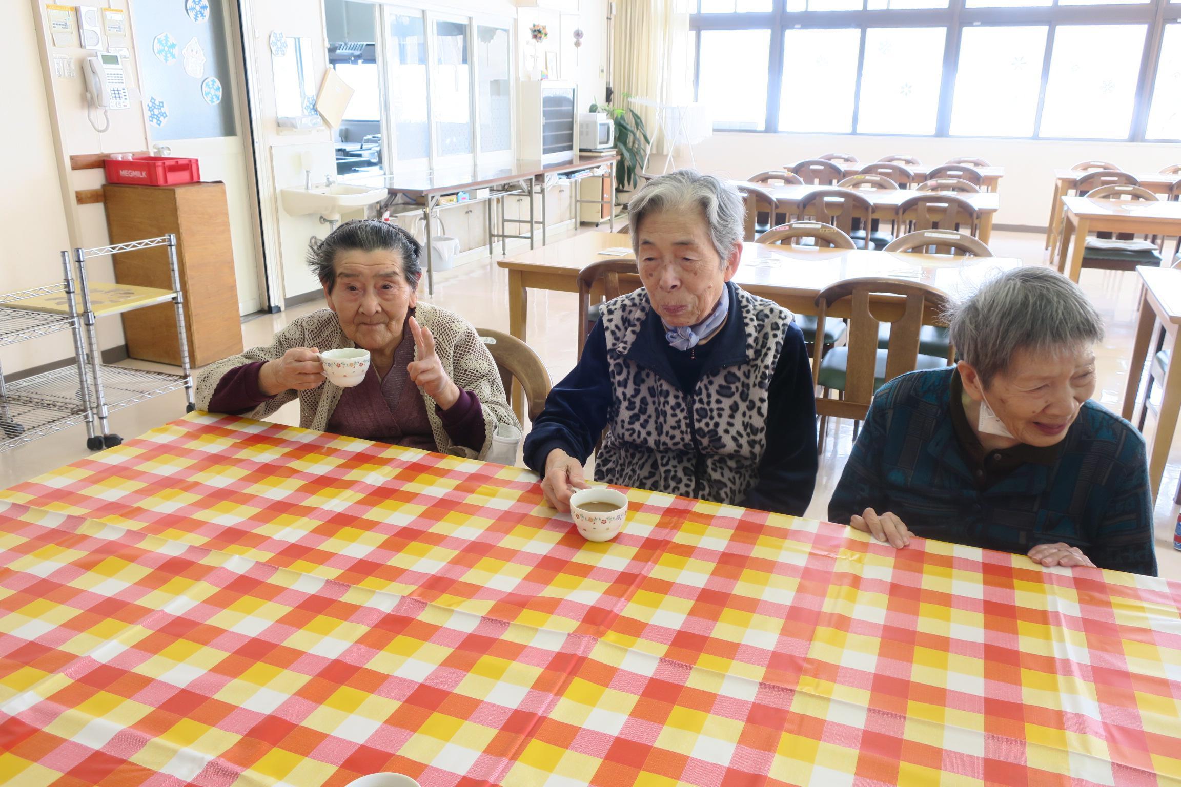 3月のお誕生お茶会 ご当地メニュー群馬おっきりこみ鍋