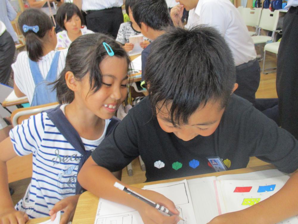 4年生の国語の授業。みんな一生懸命!