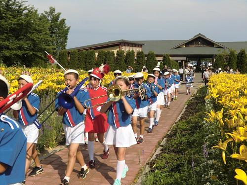 ゆり園パレード