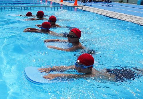 校内水泳大会