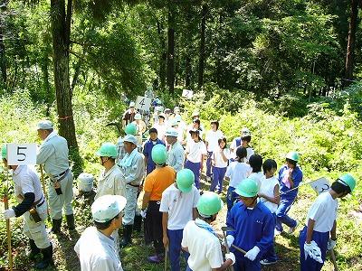 高畠町「八幡山を守る会」:安久津八幡神社