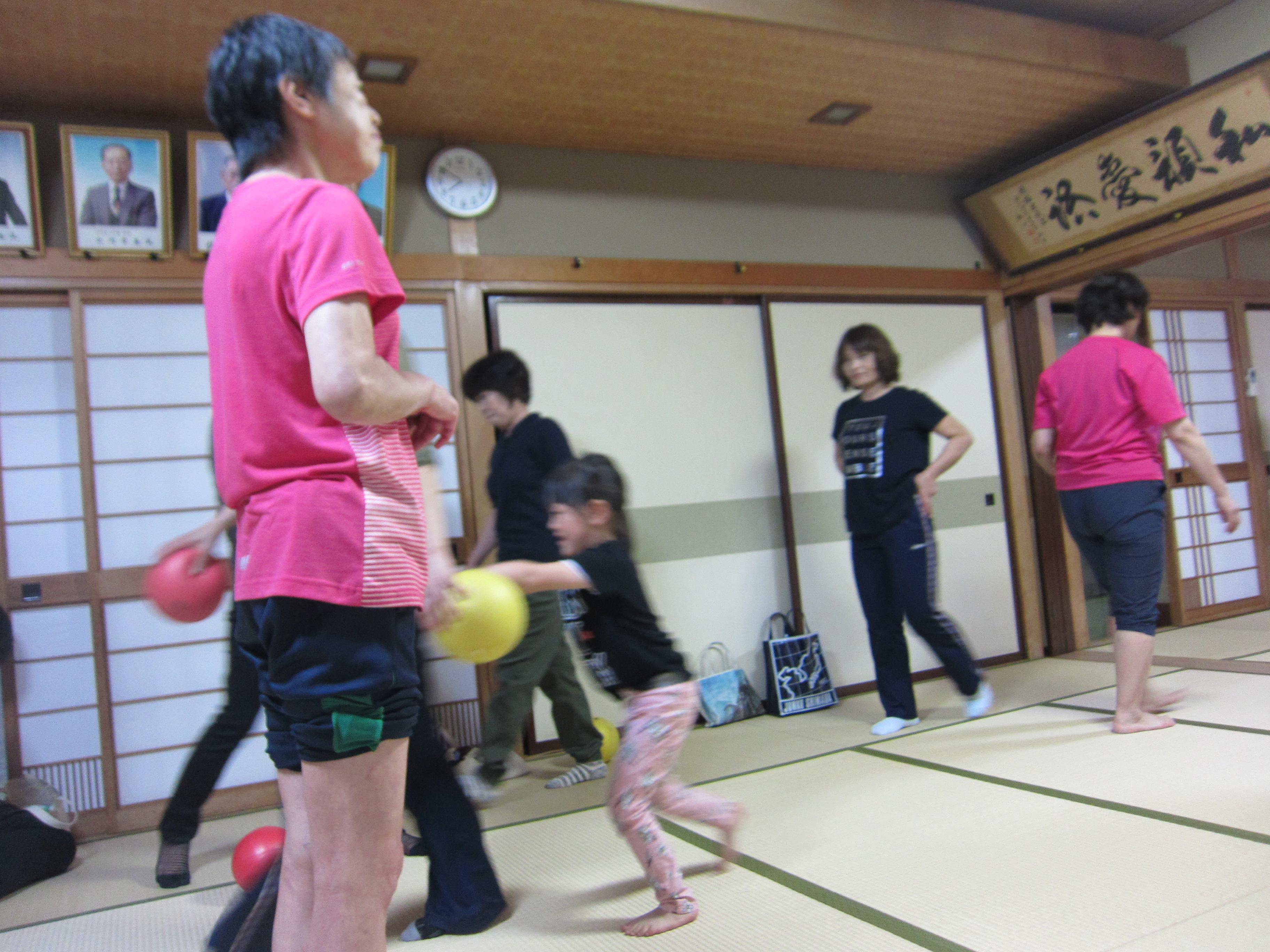 いちごクラブチビボール運動(白椿地区公民館):画像
