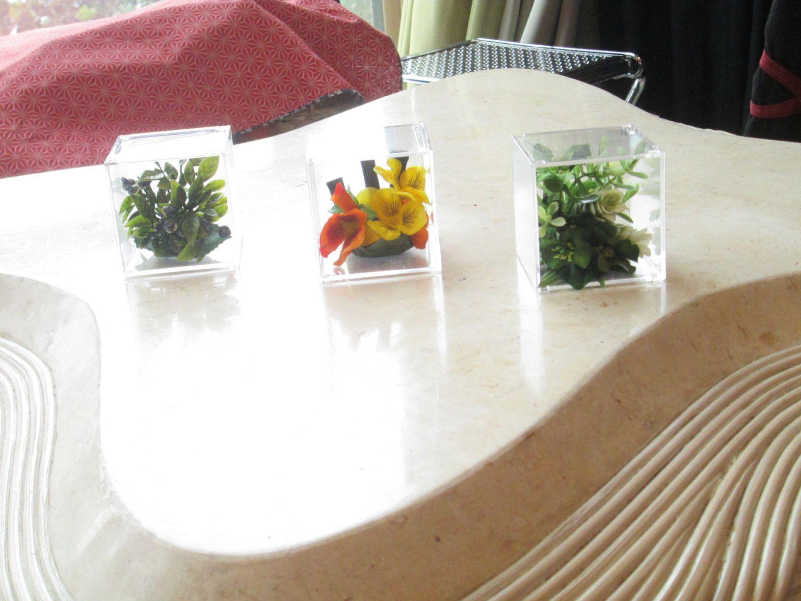 ピアノレッスンルームikoi用に飾り造花をレンタル依頼しました