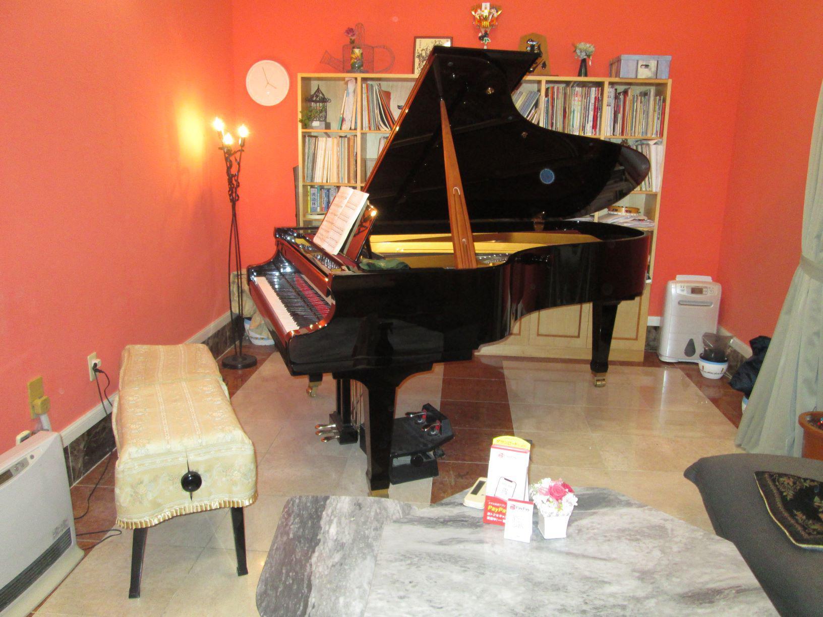 本日、ピアノ演奏生配信を19:00~19:45行います。奮ってご参加ください!!(参加無料)