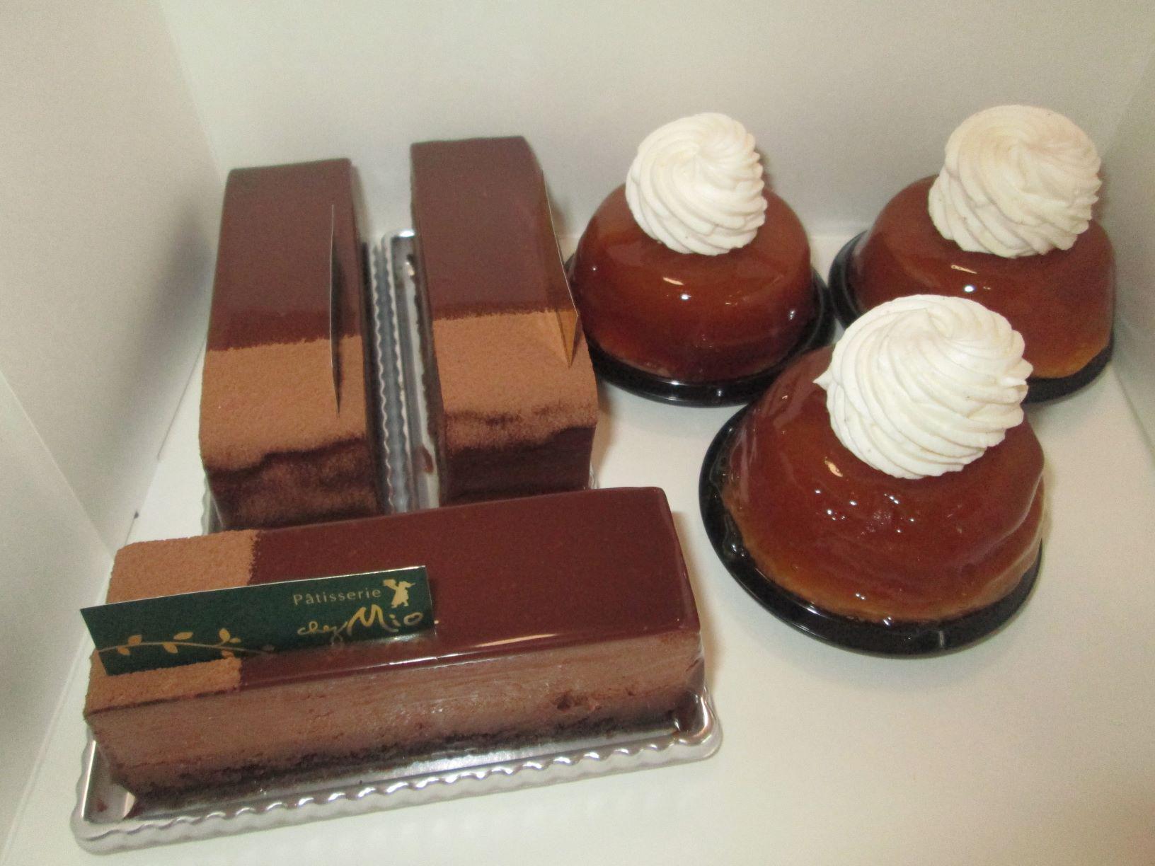 洋菓子の工房「シェ・ミオ」成沢本店さんに行ってきて、ケーキを2種類買ってきました。