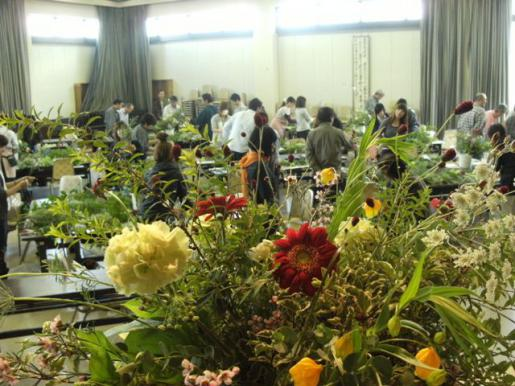 2011/10/13 18:26/深まる秋に・・・花と向き合う研修会