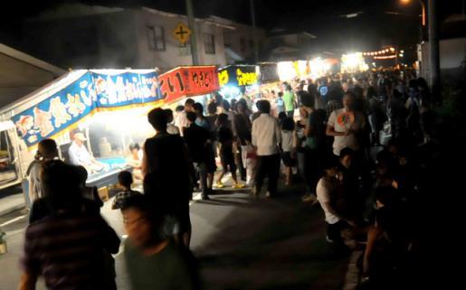 2014/08/18 06:30/大谷風神祭の露店