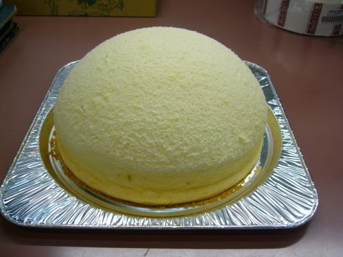 「ドーム型チーズスフレ大好評」の画像