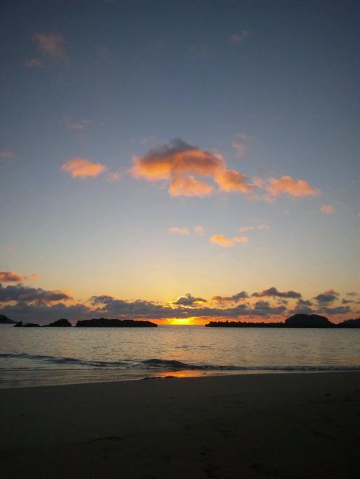 2013/01/03 23:57/気仙沼大島 田中浜からの初日の出