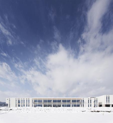 2015/02/24 17:56/山辺町立山辺中学校が竣工しました!!