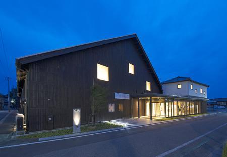 2015/03/09 09:53/庄内町新産業創造館クラッセが第35回東北建築賞を受賞しました。