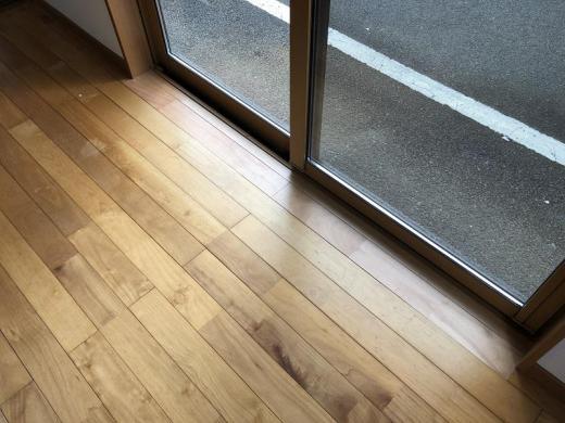 床の貼替え補修/