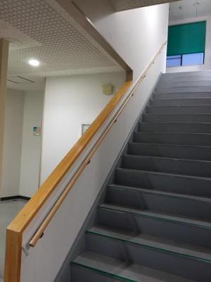 「階段手摺工事」の画像