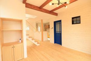 「天然木を使った木製室内建具」の画像