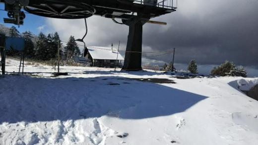 高原は雪景色/