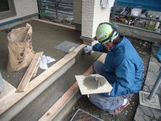 山形市 KI様邸新築工事 23 玄関タイル貼 『テクノストラクチャーで建てる長期優良住宅』/