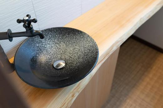 トイレ 檜無垢カウンター/