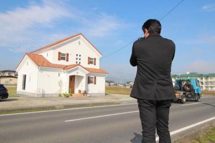 「私のしろい家」谷地 朝日に輝くしろい家 雑誌用の撮影しました!/