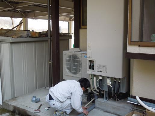 2012/04/18 20:56/エコキュート工事
