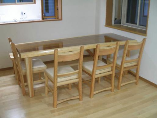2011/04/09 16:16/【プレゼント】ダイニングテーブル4人がけイスとテーブルのセット