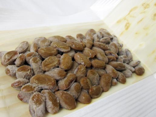 2011/05/07 12:10/「馬のかみしめ超大粒納豆」80g