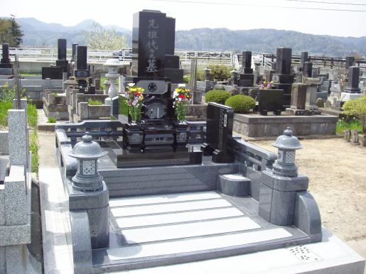 2006/01/21 22:09/お彼岸にむけ心こもった墓石を提案