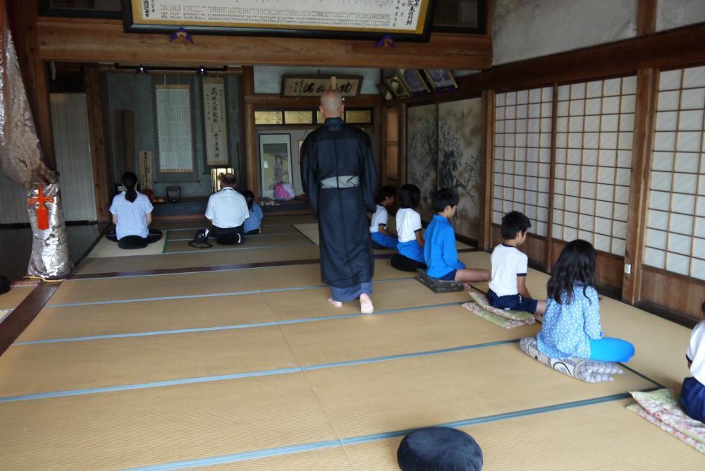 伊佐沢地区少年教室「座禅の会」