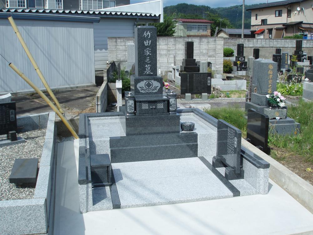 (墓石建立)長井市清水町    T様