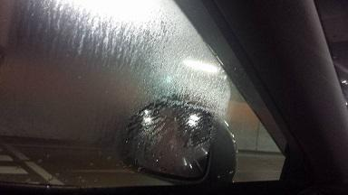 車の窓の結露で、内部結露を考える