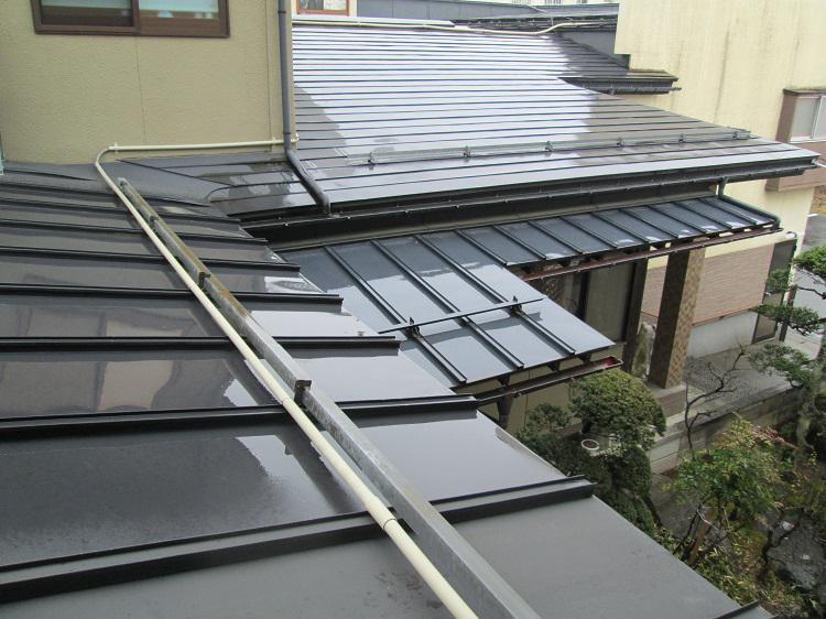 そろそろ屋根の季節です (^▽^)