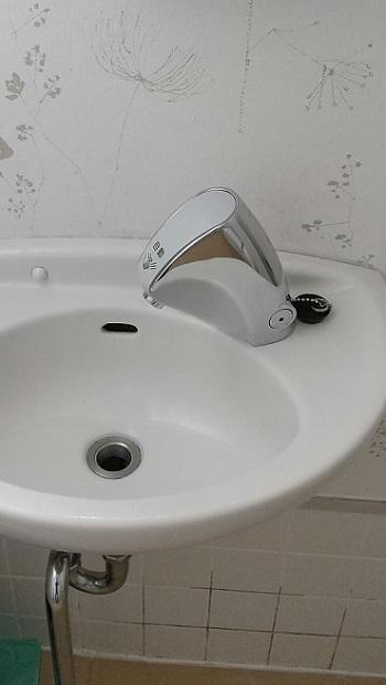 コロナ対策 自動水栓に交換/